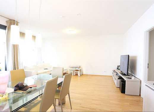 Sehr schöne Wohnung mit Einbauküche, Tiefgaragenstellplatz und überdachtem Balkon - in Oberkassel