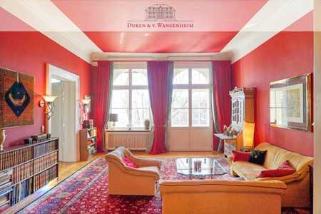 Exklusiv möblierte 5-Zimmer Wohnung. Im Herzen Lehels. in Lehel (München)