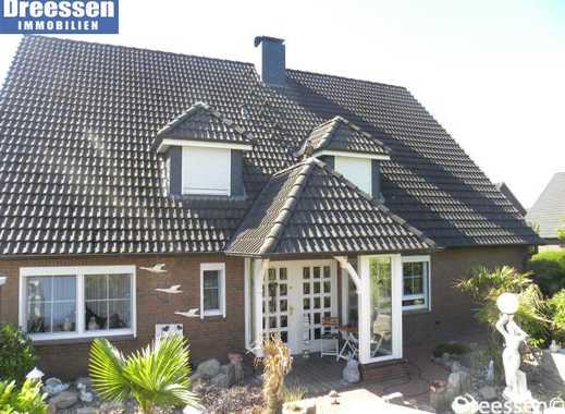 Westerdeichstrich: Top gepflegtes Einfamilienhaus mit zwei Ferienwohnung auf ca. 790 m² Eigenland