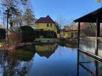 Charmantes Altberliner Haus mit Teich