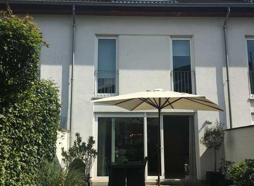 Sehr gepflegtes 1-Familien-Reihenmittelhaus, 5 Zimmer, in verkehrsberuhigter Spielstraße!