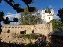 Bild Hochwertig sanierte Dachgeschosswohnung in Eltviller Toplage !