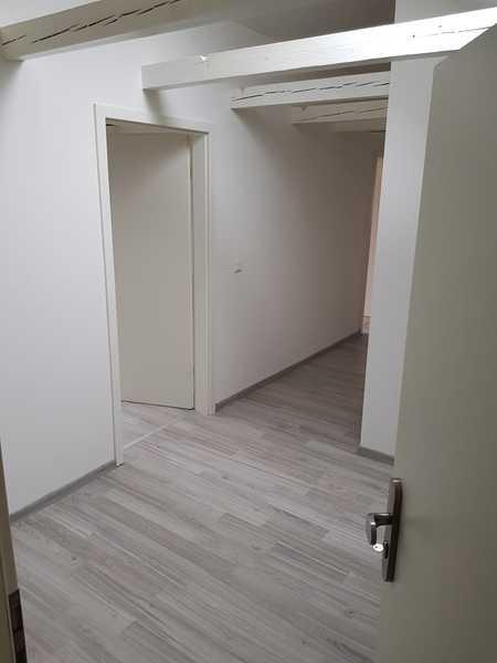 Erstbezug nach Sanierung: ansprechende 3-Zimmer-Wohnung mit Einbauküche in 93057, Regensburg in Sallern-Gallingkofen (Regensburg)