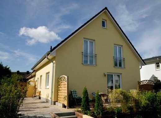 Bauen mit Elbe-Haus®! Kompaktes Haus mit viel Platz auf schönem Grundstück in Eicks!