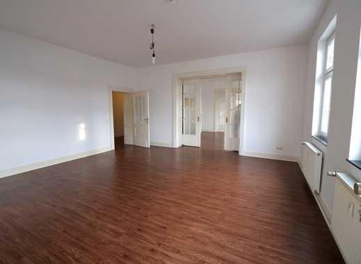 Wohnen und Arbeiten in charmanter Brühler Stadtvilla *** mit PKW Stellplatz *** und mit Einbauküche