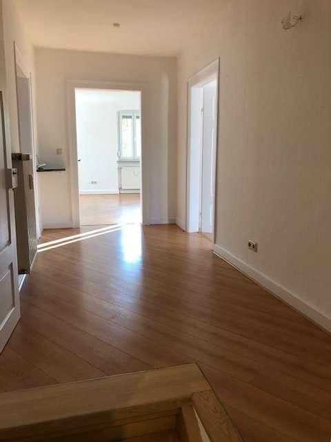 Erstbezug nach Sanierung mit großer Terrasse: attraktive 4-Zimmer-Wohnung in Kleinrinderfeld