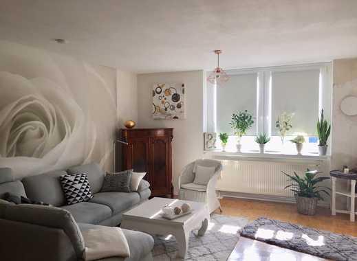 Helle und super geschnittene 2,5-Zimmer-Wohnung mit Balkon und EBK in Hannover-Kirchrode