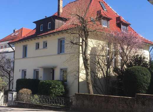 Zur gewerbliche und private Nutzung: Repräsentative Villa in bester Halbhöhenlage in Stuttgart-Nord