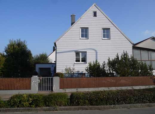kleine DG Wohnung an ruhige Mieterin ab 45 für Mithilfe im Garten zu vermieten