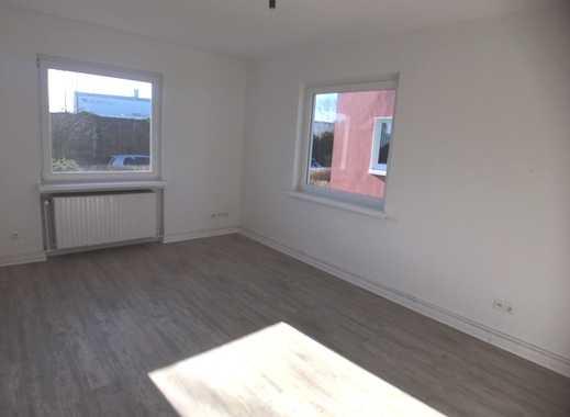 Frisch saniert - hübsche 3-Zimmerwohnung mit Gartenzugang - MEinswarden!