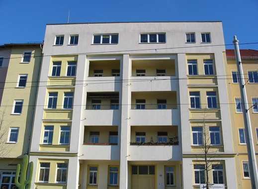 Wunderschöne 3-Zimmer-Wohnung auf eigener Etage, 93 qm ab sofort frei !