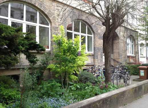 Südstadt Nähe Stephansplatz: Frisch renovierte Wohnung , Balkon, EBK, 600m2 Gemeinschaftsgarten