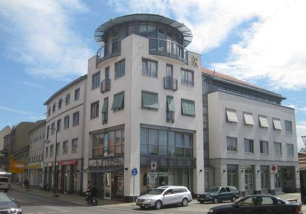 Paul Immobilien präsentiert: Büro in zentraler Lage zu vermieten