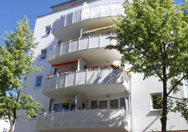 Helle 2 Raumwohnung mit Balkon und offener Küche sucht Nachmieter!