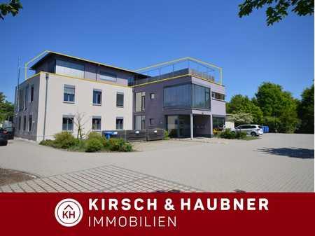 Hochwertig und sofort frei! 3 ½-Dachterrassenwohnung der Extra-Klasse im Wohn-& Geschäftshaus, ... in Neumarkt in der Oberpfalz (Neumarkt in der Oberpfalz)