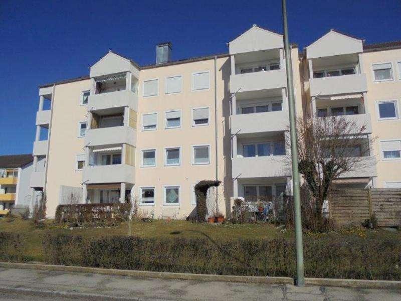 Komplett neu renovierte 2 ZKB Wohnung mit Terrasse in ruhiger Lage!