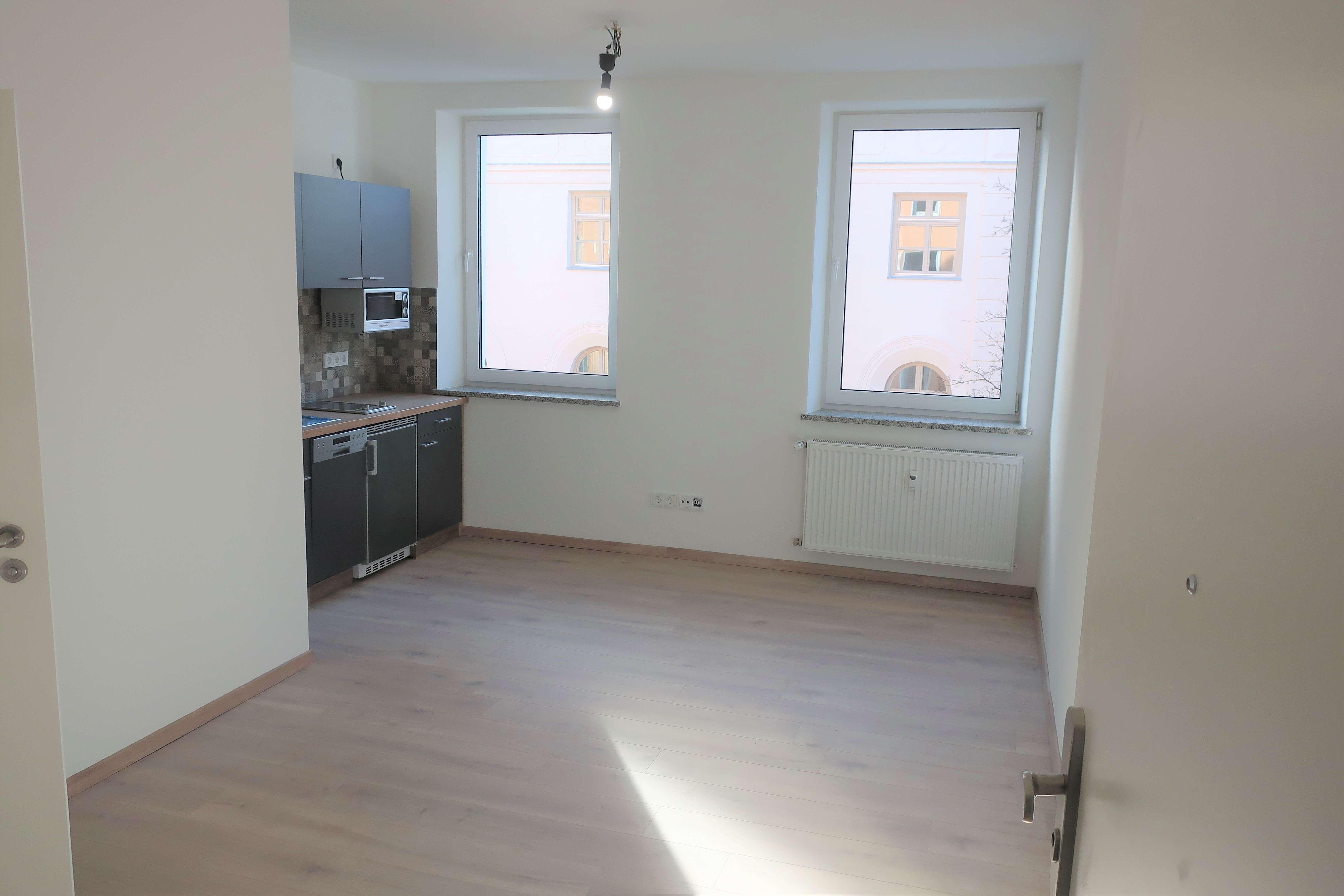 Pasing Zentrum nach Altbausanierung: Helle 1-Zimmer-Wohnung in saniertem Wohnhaus