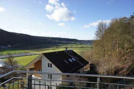 Panoramaaussicht vom Balkon aus der 6-Zimmer-DG-Wohnung ins Altmühltal in ruhiger, sonniger Umgebung in Kipfenberg
