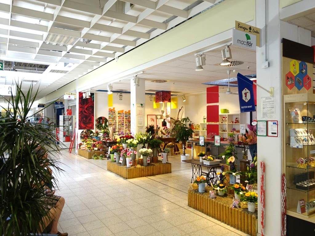 Shop 68 m²
