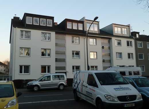 Gepflegte 2-Zimmer-Wohnung mit Balkon und EBK in Köln-Niehl