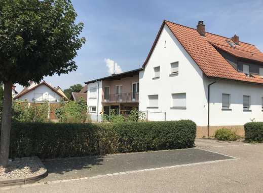Haus und Grundstück mit Potential in sonniger Lage (Privat)