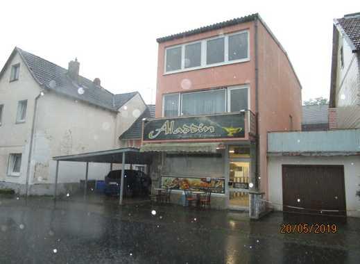 Wohnhaus mit einer Wohnung und Gastronomie/Imbiss im Erdgeschoss zu verkaufen!