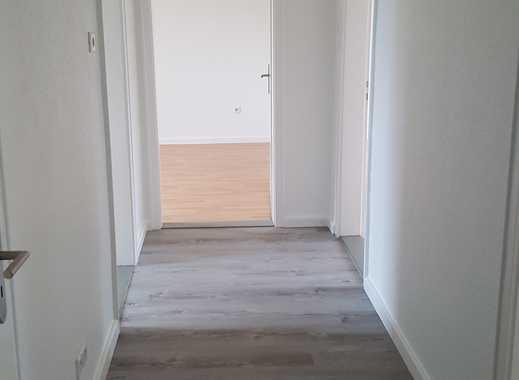 Renovierte 4-Zimmer Wohnung / Besichtigung über Fr. Borg, Tel.: 0176-34441172