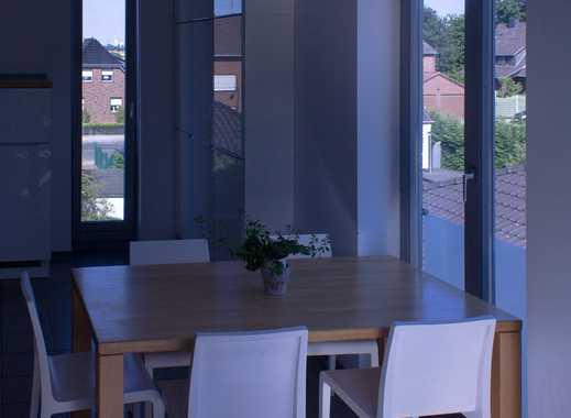 Lichtdurchflutete 'Haus-im-Haus' Maisonette-Wohnung mit hohen Decken & großem Wohnzimmer in Du-Baerl
