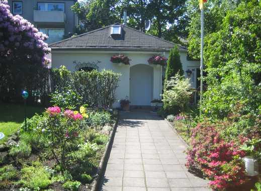 Schöner freistehender Bungalow mit Garten in ruhiger Lage