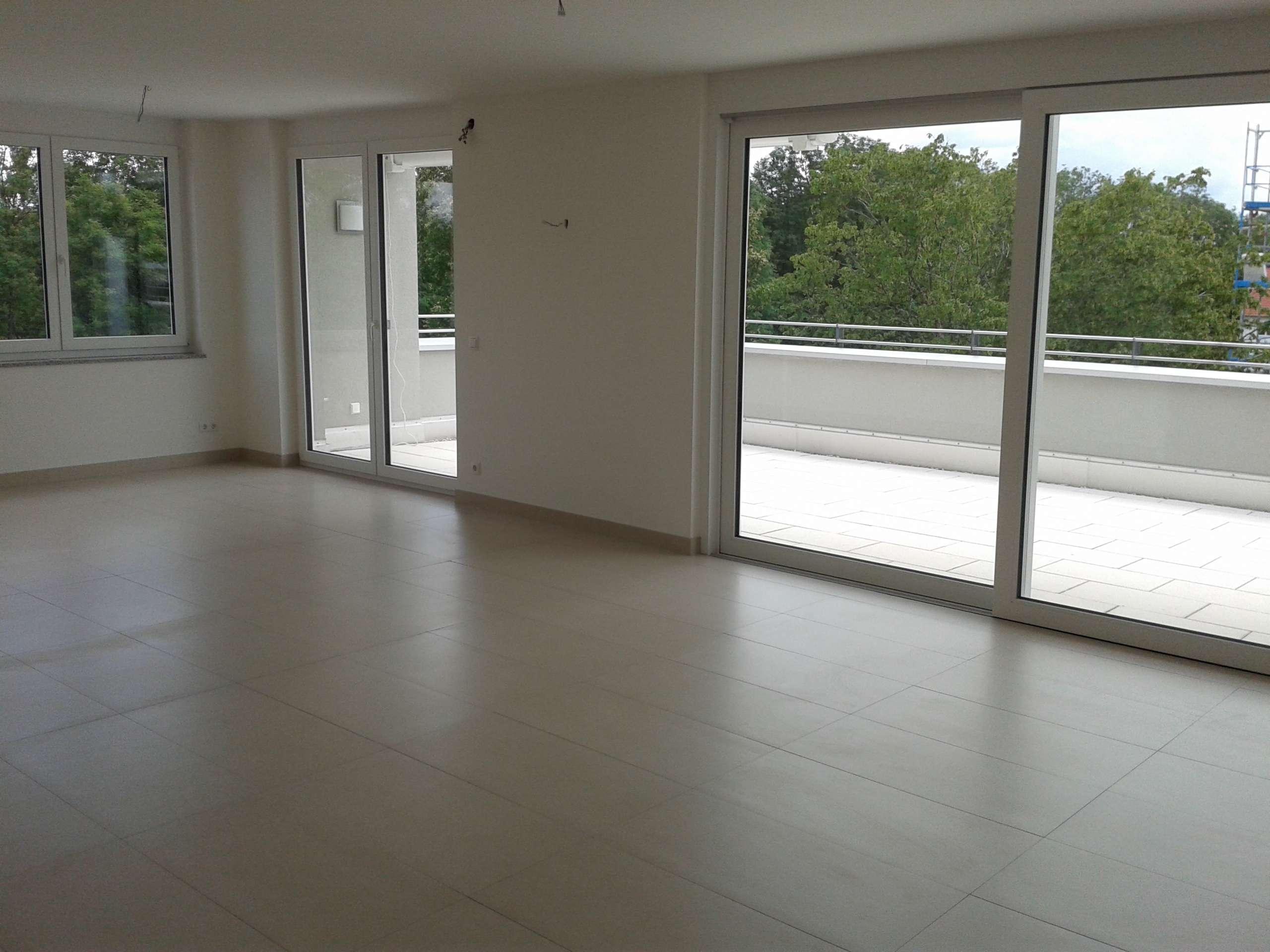 Neuwertige 3-Zimmer-Penthouse-Wohnung mit Süd-Dachterrasse in Landsberg am Lech