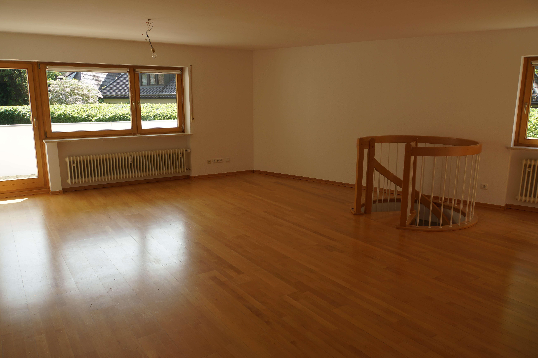 Schöne, geräumige Wohnung durch Wendeltreppe mit dem Hobbyraum verbunden