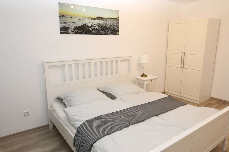 Schön möblierte Wohnung mit zwei Schlafzimmern in zentraler Lage, WG-geeignet in Augsburg-Innenstadt