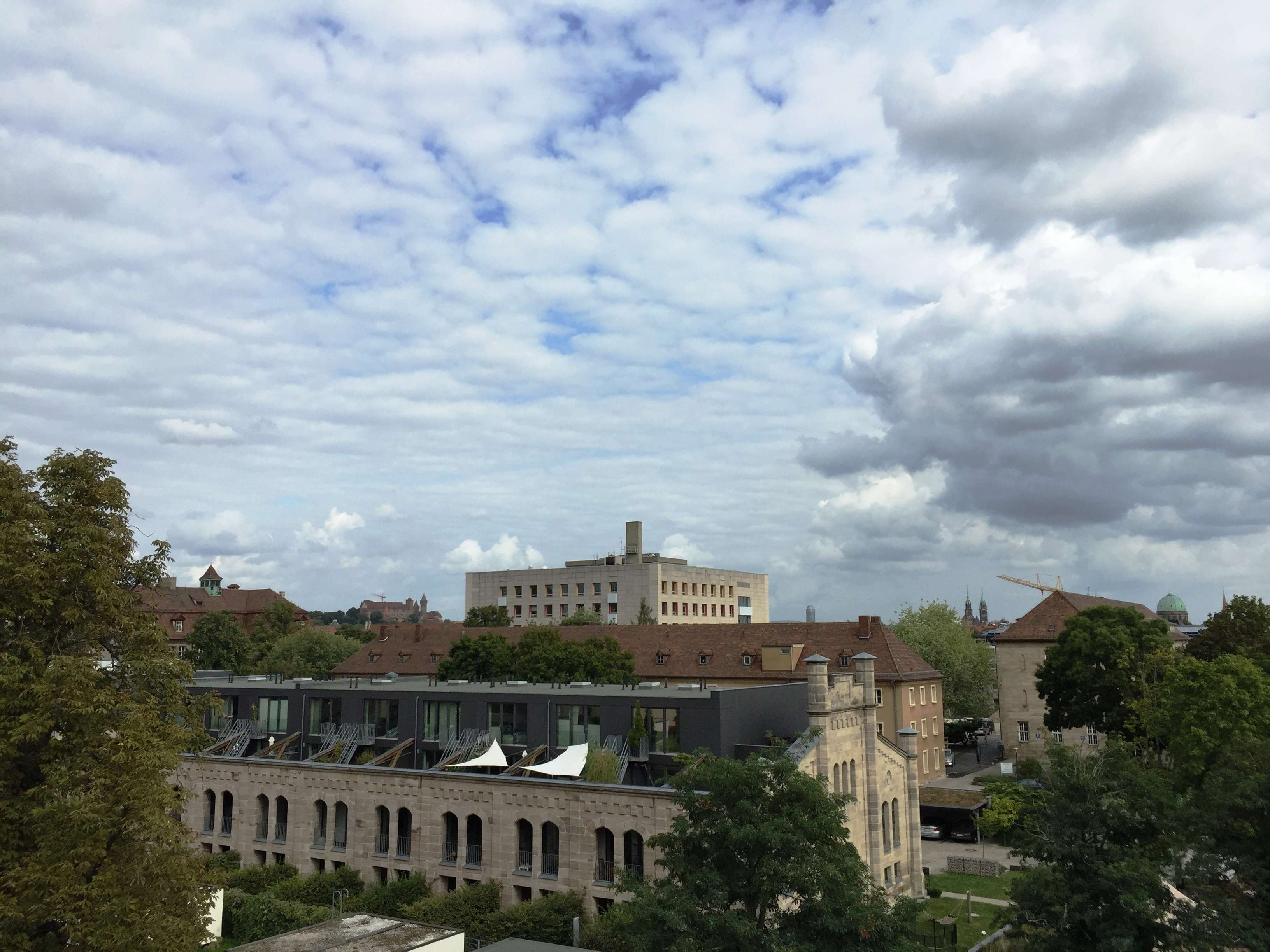 *provisionsfrei* möbliertes 1-Zi Apartment in zentraler Lage in Himpfelshof (Nürnberg)