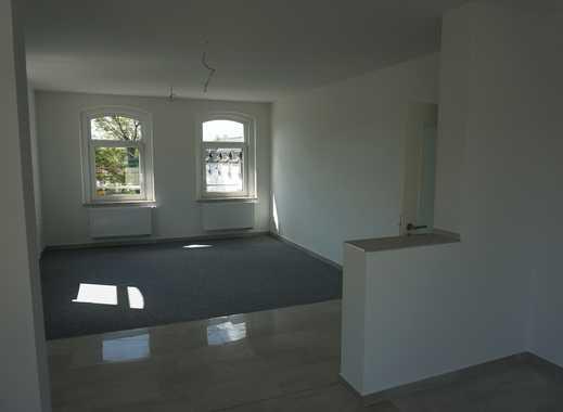 Maisonette Wohnung mit schöner breiter Treppe ins DG !!! + 4 SZ