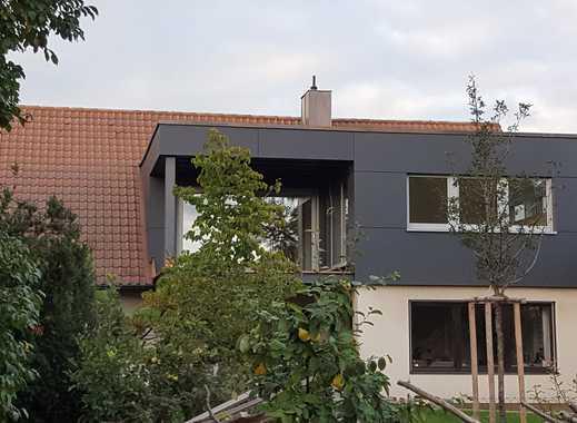 Helle 5-Zimmer-Wohnung mit überdachten Balkon in Nürnberg-Thon