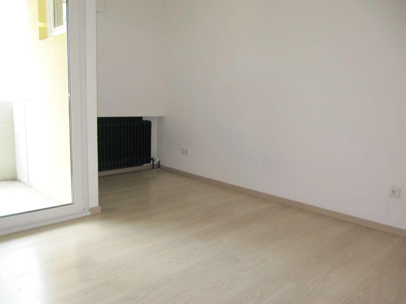 Fürth Kaiserstraße ! Möbliertes helles 1 Zimmer 22 qm f. Schüler/Studenten/Pendler, zentrale Lage in