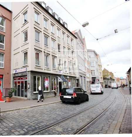 Am Perlachberg! Helle 2 Zimmer-Dachgeschoss-Wohnung mit großer Wohnküche in zentraler Lage! in Augsburg-Innenstadt