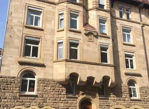 Exklusive, neuwertige helle 4-Zimmer-Dachgeschosswohnung, 2 Balkone, EBK in Denkmalhaus im Westen