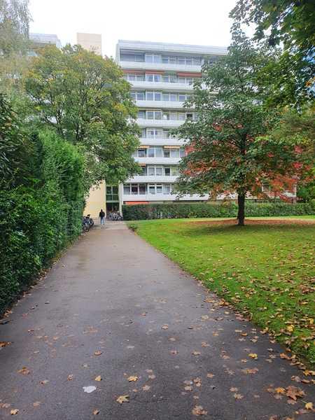 Vollständig eingerichtete  3 Zimmer-Wohnung mit Balkon und EBK in Bogenhausen, München in Bogenhausen (München)