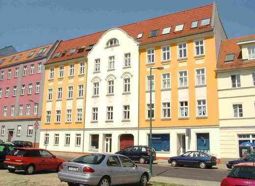 Zweiraumwohnung mit Balkon und  Einbauküche  in Altberesinchen
