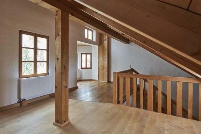 neu renovierte 2 zimmer maisonette wohnung f r personen mit wohnberechtigungsschein. Black Bedroom Furniture Sets. Home Design Ideas