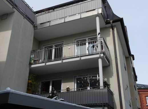 Neuwertige 2,5-Zimmer-Terrassenwohnung mit Balkon und Einbauküche in Rosenheim