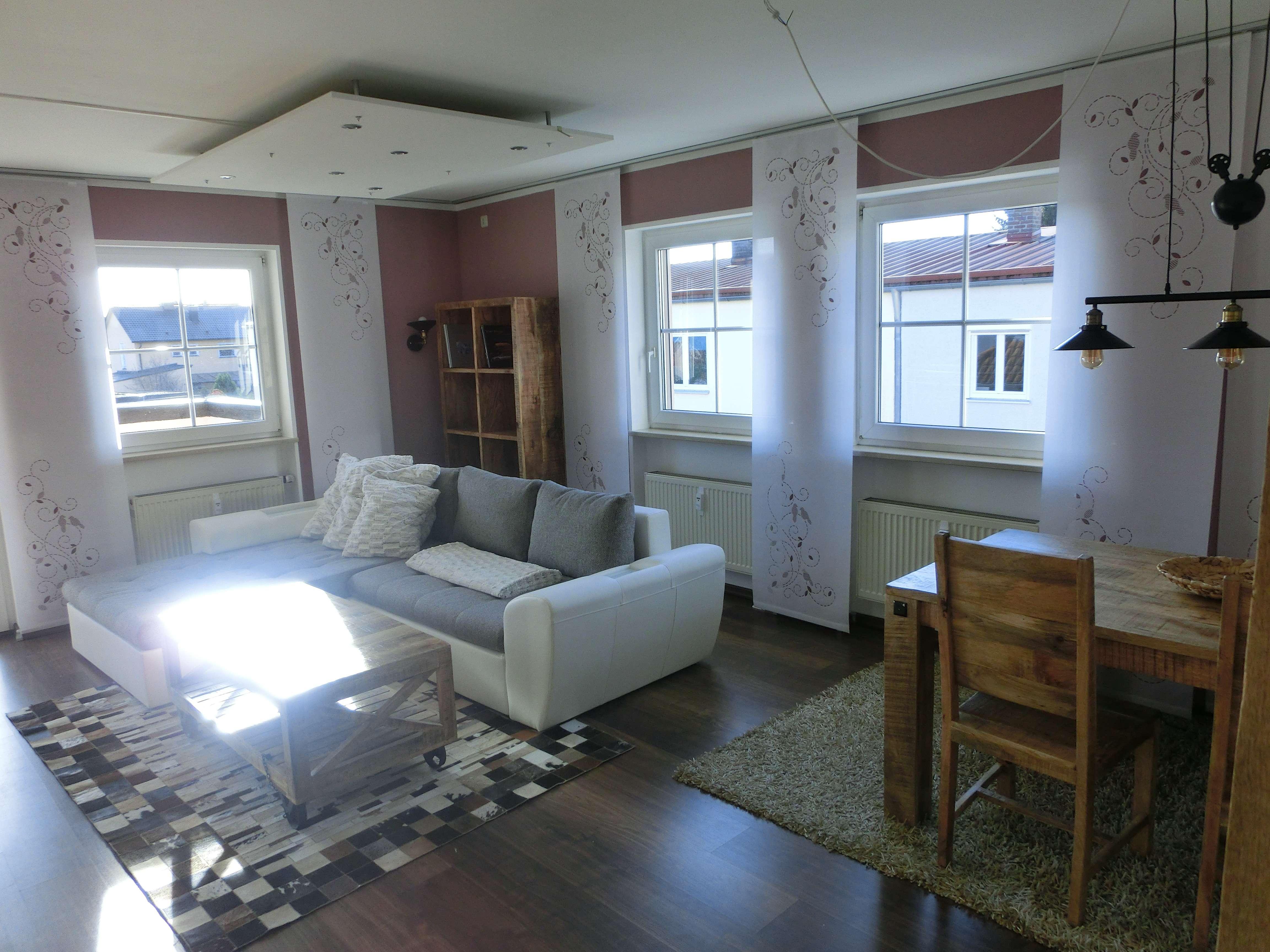Exkl. helle 2-Zimmer-Wohnung mit sehr goßem Balkon, möbliert in Manching