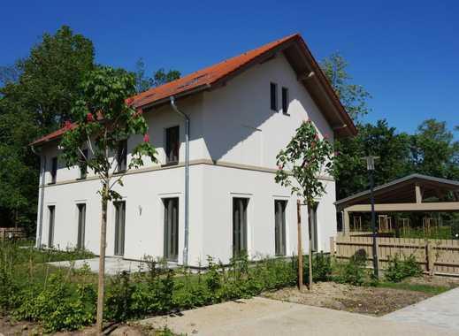 """Traumhaftes Familienhaus mit Süd-Terrasse und Garten im """"Schloss-Park Güterfelde""""!"""