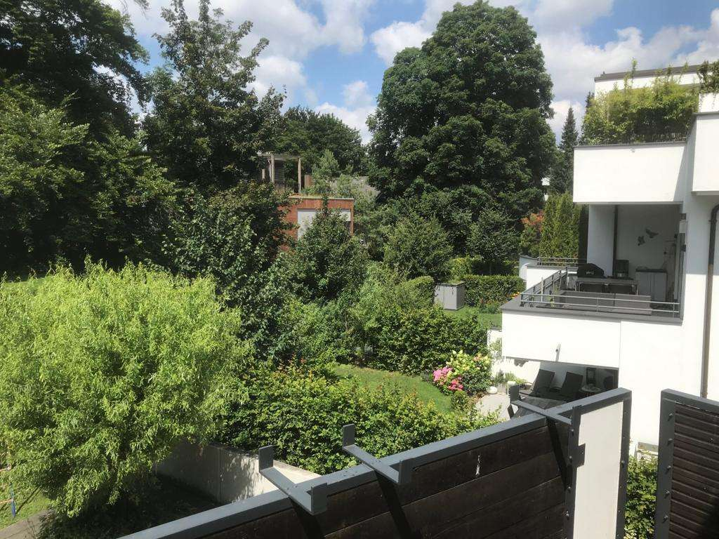 Solln/Prinz-Ludwigs-Höhe 3-Zi-Wohnung in absolut ruhiger Traumlage mit großem Westbalkon in Solln (München)