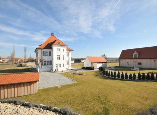 Hochwertiges Villenanwesen mit unverbaubarem Blick in die Landschaft - auf über 11.000 m² Grundstück