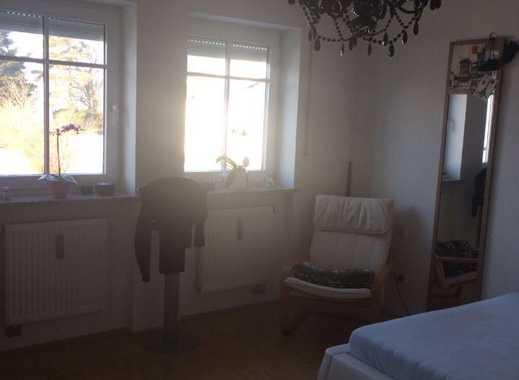 Sehr schönes sonniges Zimmer zu vermieten