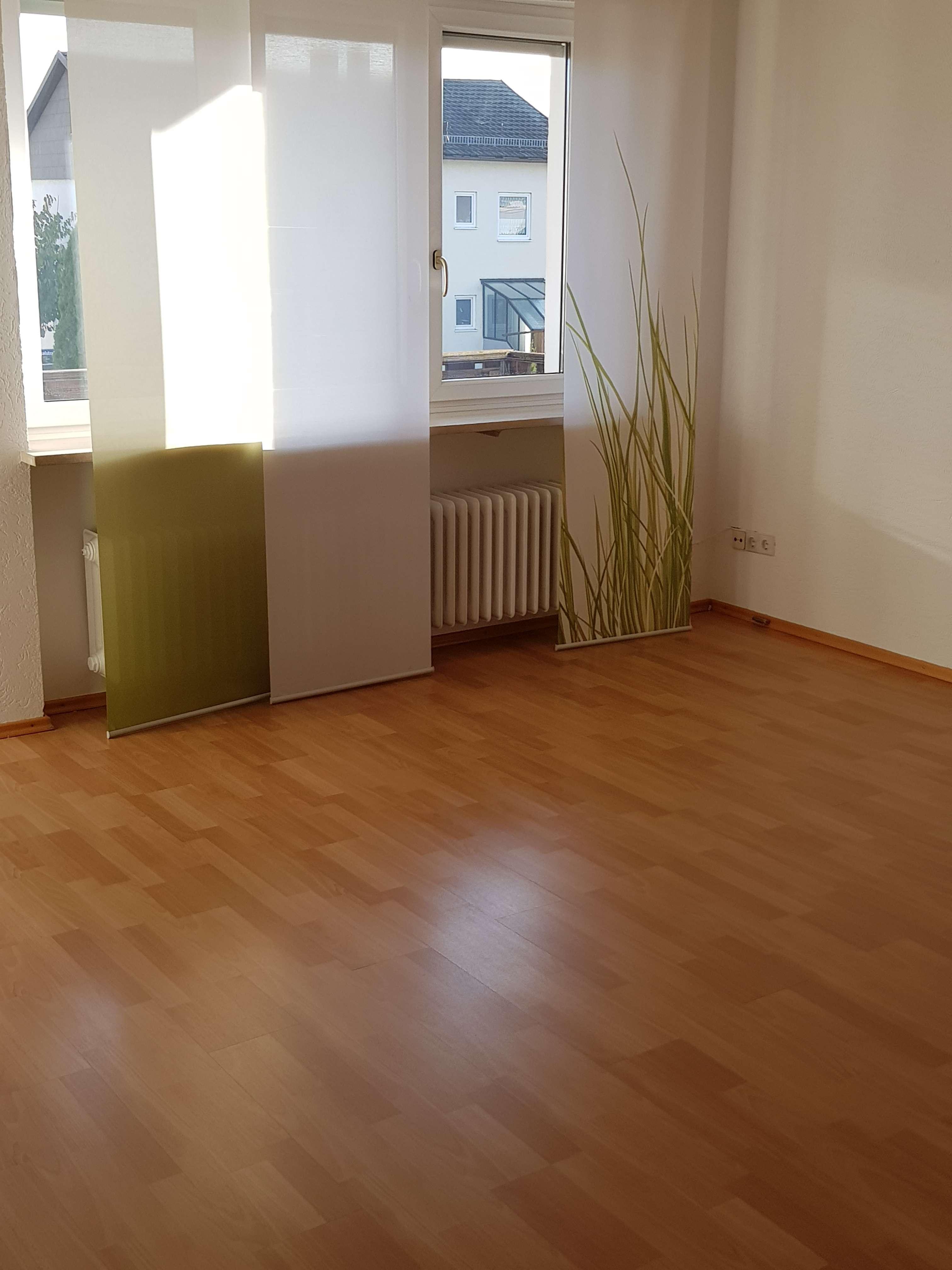 4 ZKB-Wohnung mit Balkon im 1. OG in Manching zu vermieten! in Manching