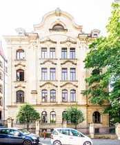 Neuwertige 4-Raum-Dachgeschosswohnung mit Balkon und