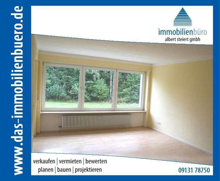 Schöne 4 Zi.-Whg., Hochparterre, Südbalkon, direkt am Waldrand, TG-Platz, keine WG! in Buckenhof